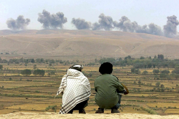 Bombardovanje američkih snaga na frontu s talibanima 2001. kod sela Dašt I Kala u Avganistanu