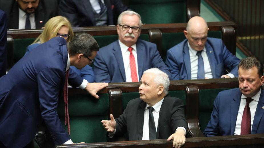 Mateusz Morawiecki i Jarosław Kaczyński w Sejmie