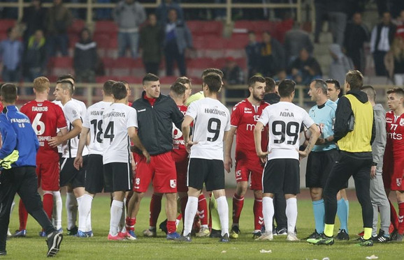 Fudbaleri Partizana i Radničkog iz Niša