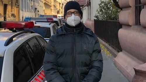 Kollégánk, Vajta Zoltán beszélt a csaló nővel két évvel ezelőtt, most az ő hangját is elemzik.