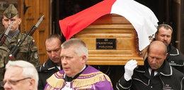 Premier i politycy na pogrzebie posłanki PO!