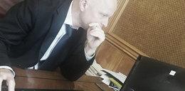 Smutny minister pisze list do tysięcy urzędników