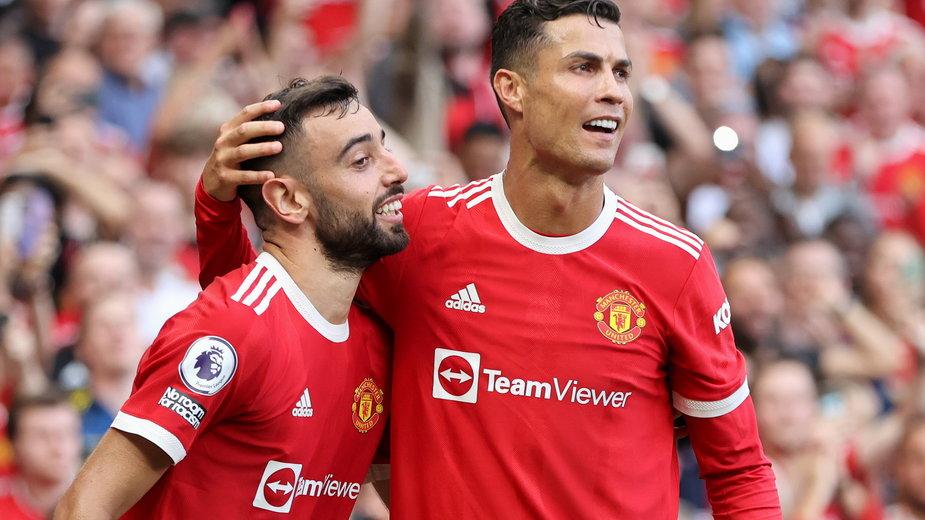 Cristiano Ronaldo (z prawej) i Bruno Fernandes (z lewej)
