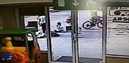 Chłopiec na rowerze potrącił kobietę. Znasz go?