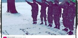 Szwajcarscy żołnierze wykonali nazistowski gest. Zostali zawieszeni