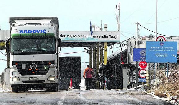 Kamioni sa robom iz Srbije vraćeni sa Jarina već prvog dana