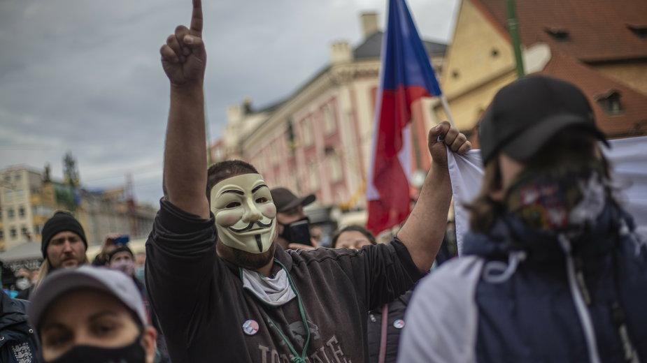 epa08780225 - CZECH REPUBLIC PROTEST PANDEMIC CORONAVIRUS COVID19 (Protest against coronavirus restrictions in Prague)
