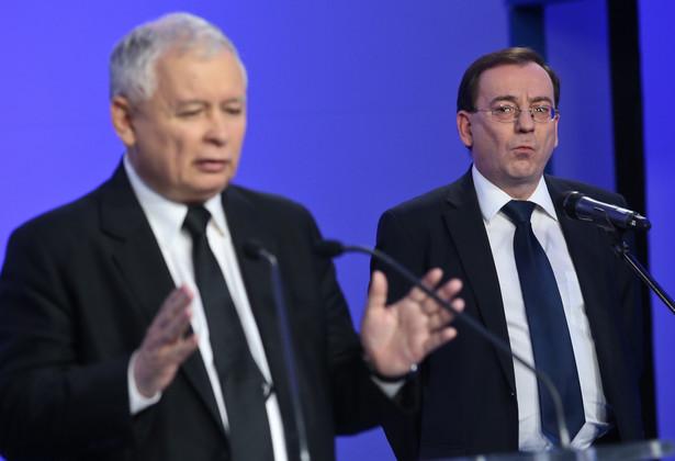 MAriusz Kamiński i Jarosław Kaczyński podczas konferencji prasowej. Fot. PAP/Rafał Guz