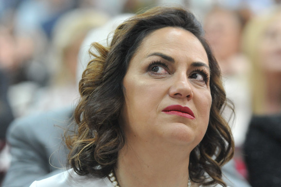 Dekanka Snežana Marinković