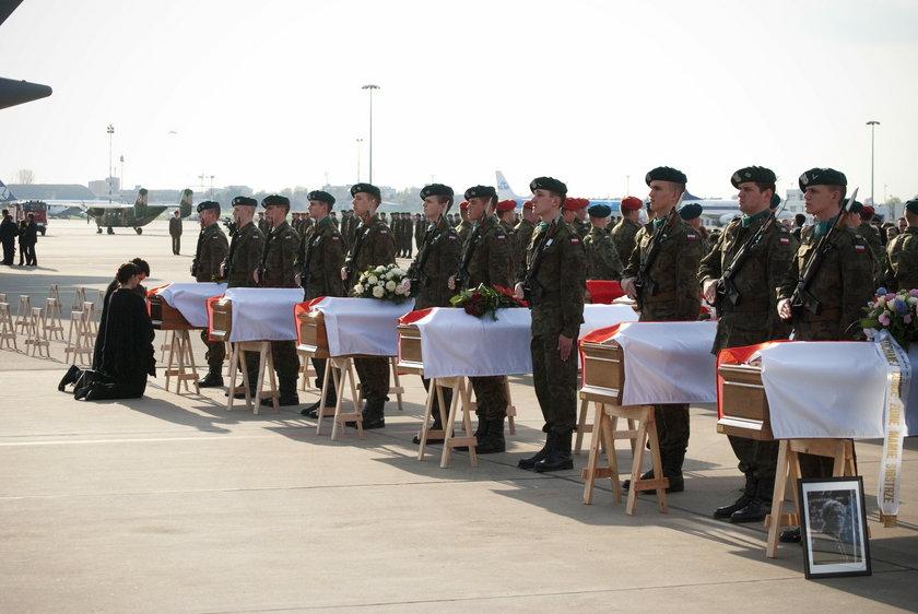 Uroczystość ku pamięci ofiar katastrofy w Smoleńsku