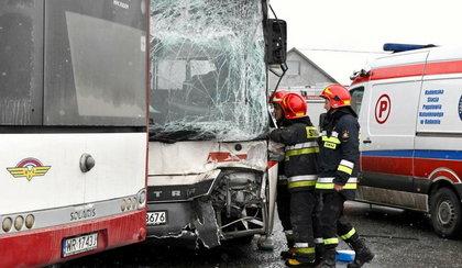 Groźne zderzenie autobusów w Radomiu. Jest wielu rannych