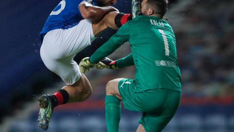 Kemar Roofe i Ondrej Kolar - starcie z meczu Glasgow Rangers vs Slavia Praga Dostawca: PAP/EPA.