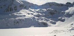 Nie żyje narciarka wydobyta spod lawiny w Tatrach