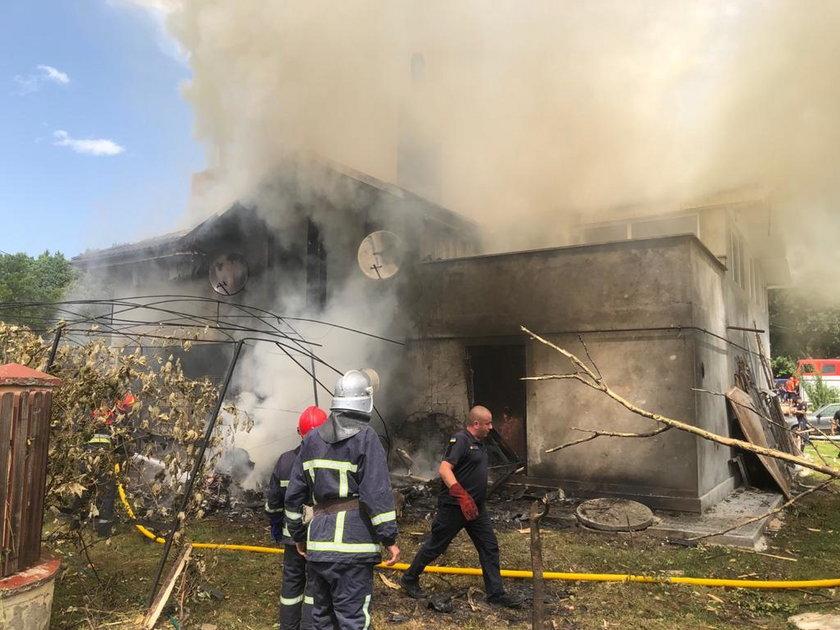 Samolot spadł na dom. cztery osoby nie żyją.