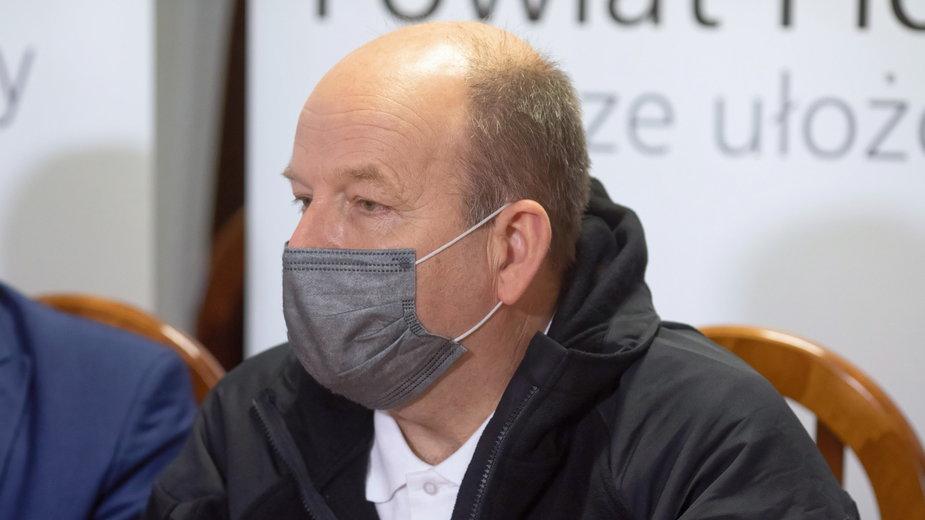 Wojewoda mazowiecki o sytuacji w stolicy: wolnych 200 łóżek covidowych i 20 respiratorów