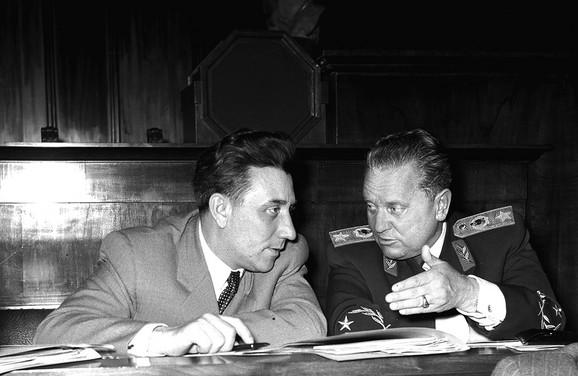 Ranković i Tito u skupštinskim klupama, 1952. godine