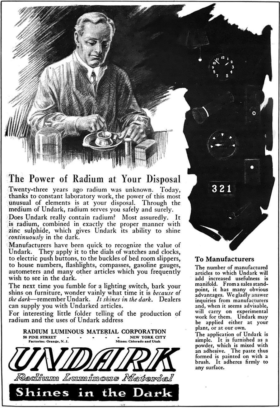 "Reklama farby ""Undark"" zawierającej rad z 1921 roku /  ""The Story of a Great Engineer"". The American Magazine 92: 85. Springfield, Ohio: The Phillips Publishing Co. Public Domain"