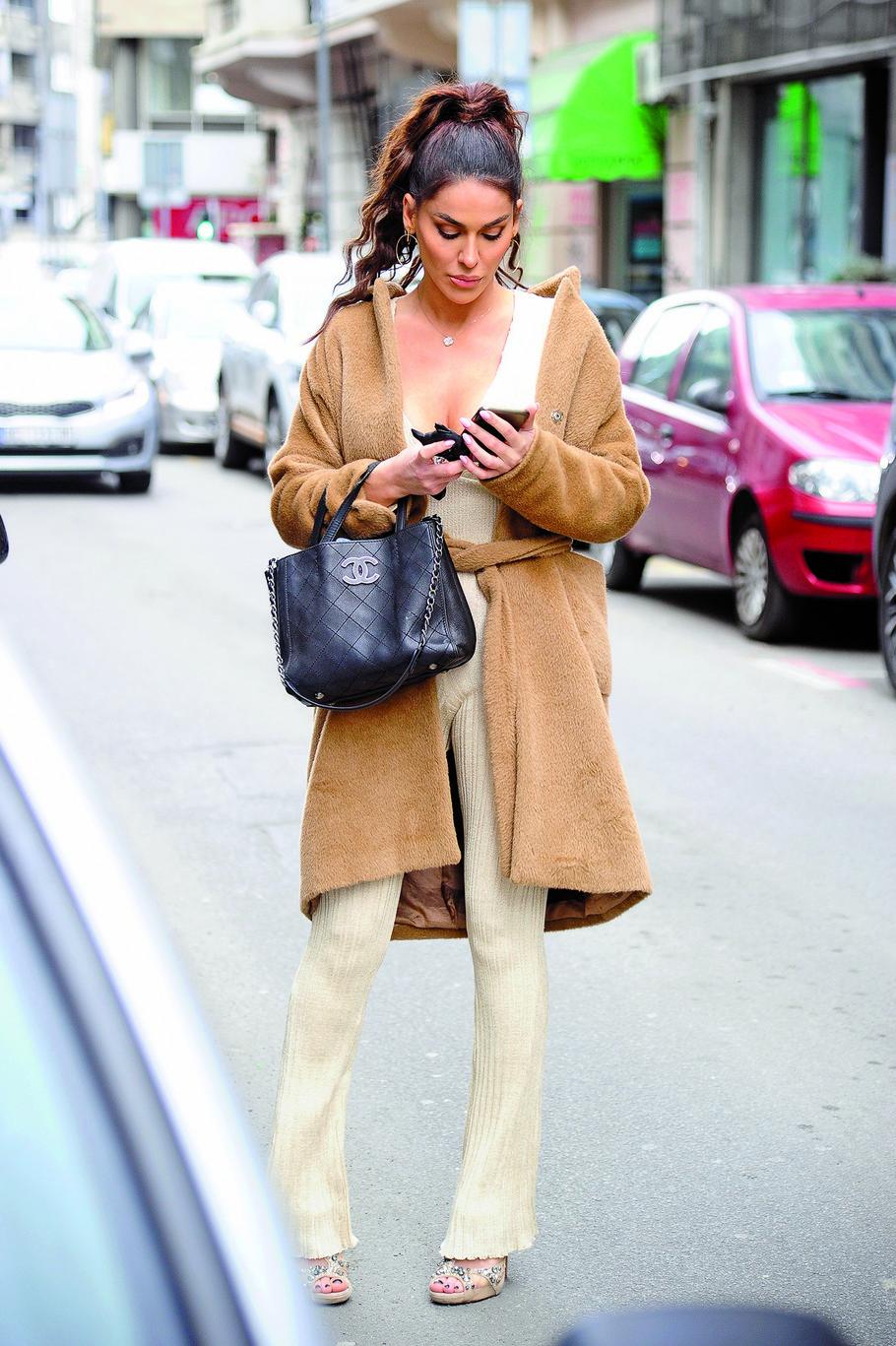 Marina Visković na ulici u centru Beograda