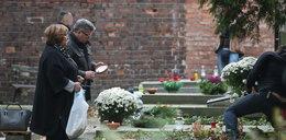Prezydent z rodziną na grobach swych słynnych przodków