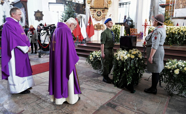 Ksiądz Adam Boniecki i ksiądz Wojciech Lemański w Bazylice Mariackiej w Gdańsku