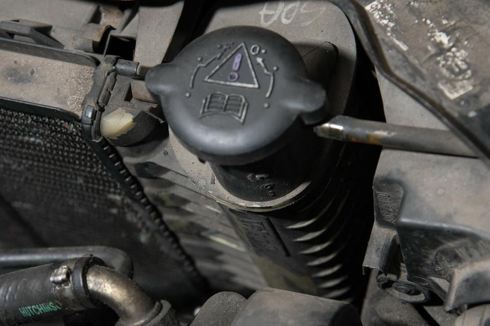 Мы обслуживаем Peugeot 306 1.9 TD: система охлаждения