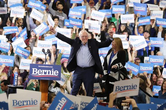 Sanders je pobedio u Kaliforniji