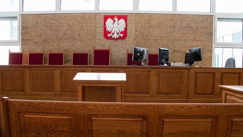Mężczyźnie prokuratura zarzuca także kradzież mienia swojej ofiary
