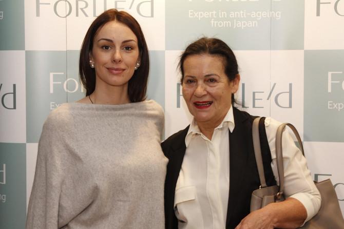 Sloboda Mićalović je već godinama verna kozmetičarki Dragici Kuzman Petrović