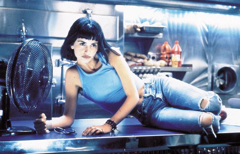Penelope Cruz w kadrze z filmu Brujas