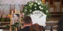 Ostatnia droga zamordowanej Kornelii. Po pogrzebie doszło do spięcia żałobników z policją