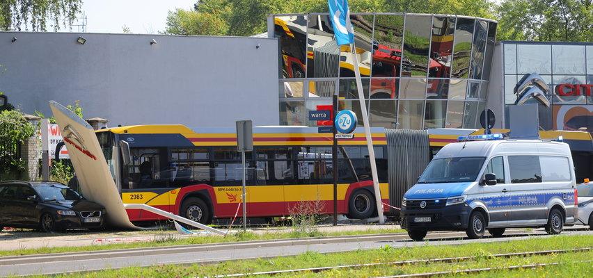 Kierowca autobusu zasłabł w czasie jazdy