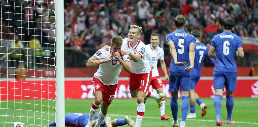 Anglia rozklepana. Piękna akcja Polaków. Tak Damian Szymański strzelił gola. WIDEO