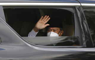 Premier Malezji podał się do dymisji