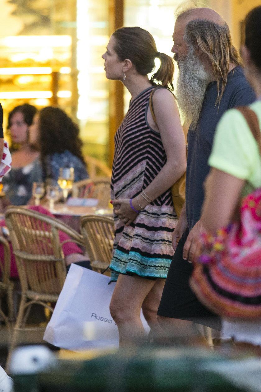 Ciążowy brzuszek Charlotte Casiraghi
