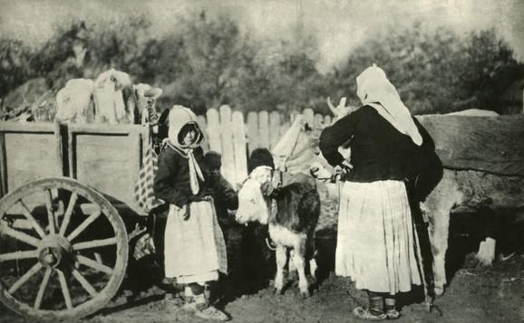 Žene i deca pri povlačenju, 1915.