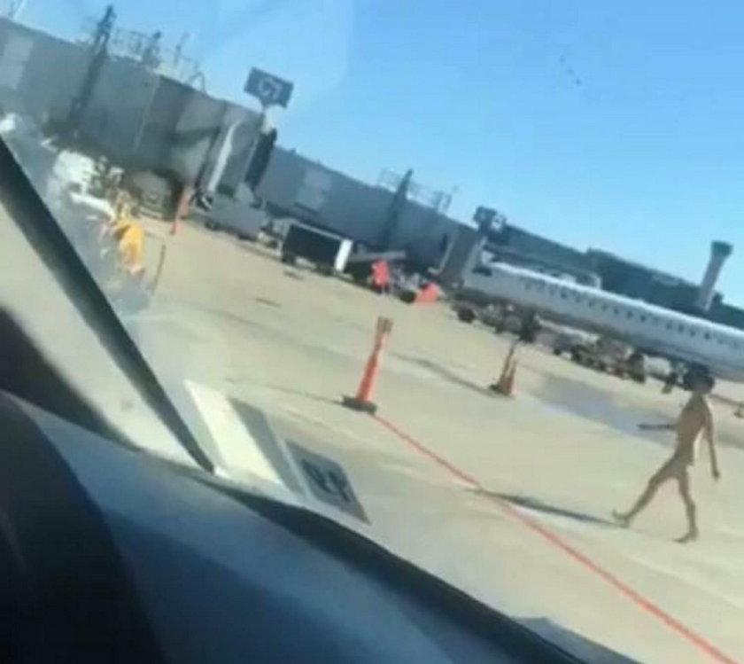USA: Spacerował nagi po lotnisku w Chicago. Jest film