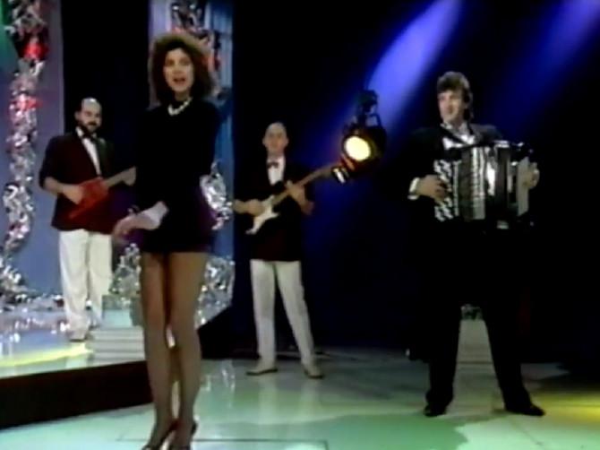 Pevala je na Evroviziji, udala se posle sedam dana veze pa doktorirala: U Jugoslaviji je sve bacala u trans LICEM I DUGIM NOGAMA - a večeras je gleda cela Srbija