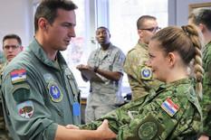 """POGLED SVE GOVORI Srpski """"top gun"""" pilot zadivio NATO kolege - a posebno Hrvaticu"""