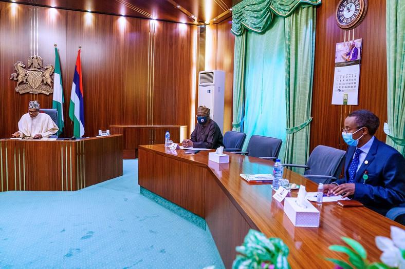 President Muhammadu Buhari (Far left); Chief of Staff, Ibrahim Gambari (center) and Coordinator of the Presidential Task Force (PTF) on COVID-19, Dr Sani Aliyu during a meeting on the pandemic [Twitter/@BashirAhmaad]