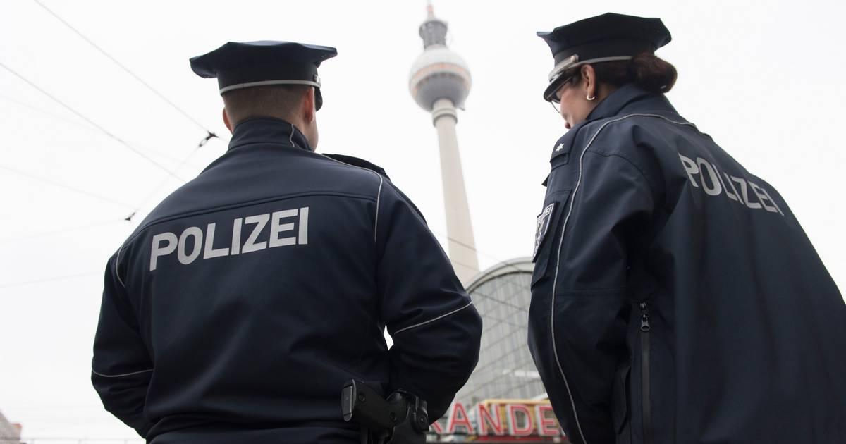 Notgeile Deutsche Ehestuten geben im Sex Rausch alles