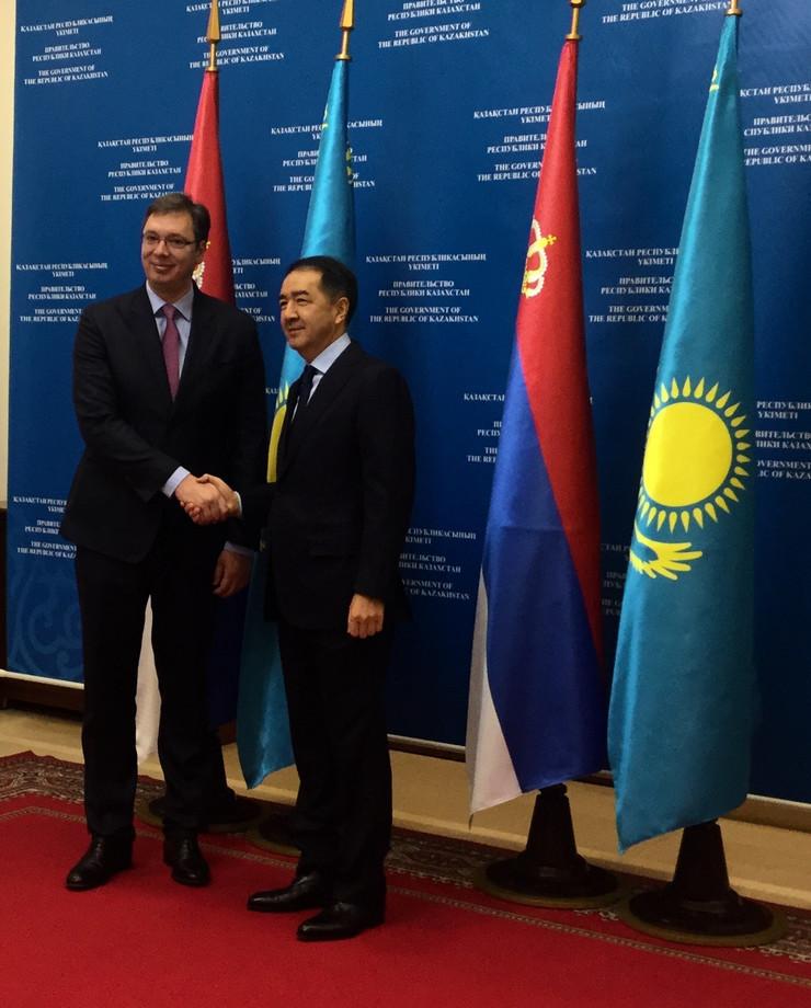 vučić i premijer Kazahstana