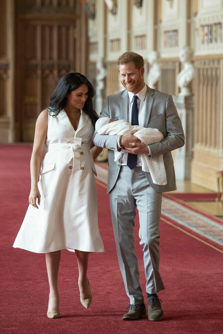 FOTOGRAFIJE KAO DOKAZ Svet bruji o tome NA KOGA LIČI sin Megan Markl i princa Harija