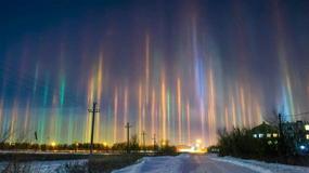 Na rosyjskim niebie pojawiły się niesamowite słupy słoneczne