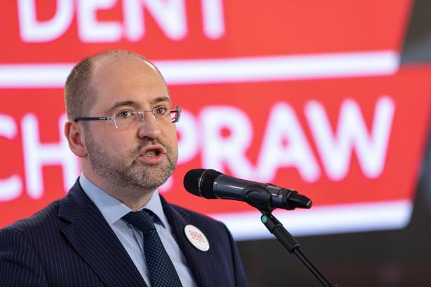 Część polityków Porozumienia uznała, że formalnie prezes zarządu partii nie został powołany, a zatem - w związku z tym, że konwencja mająca wybrać prezesa na kolejną kadencję nie odbyła się - formalnym szefem partii jest obecnie przewodniczący Konwencji Krajowej, tj. Adam Bielan.
