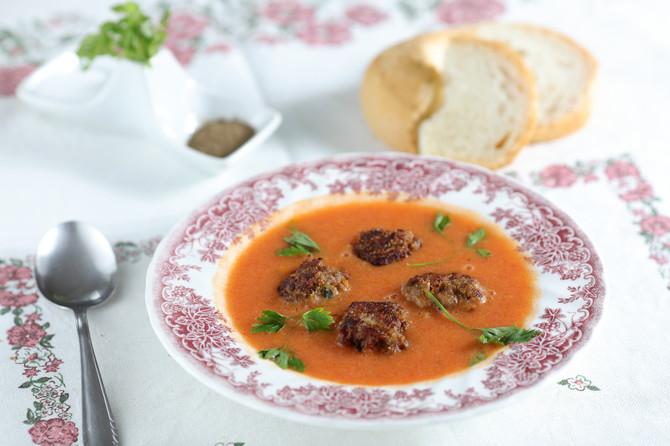 Kakav paradajz, takav i sos! Zato Goca sok pravi od sorte slonovo uvo