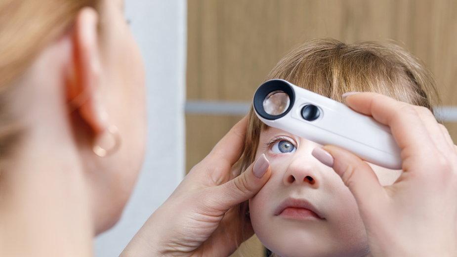 Astygmatyzm u dziecka – jak rozpoznać oraz leczyć wadę wzroku?