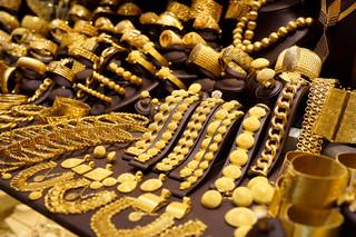 Perły, brylanty, szafiry. Klejnoty łódzkiej burżuazji na wystawie w Pałacu Poznańskich