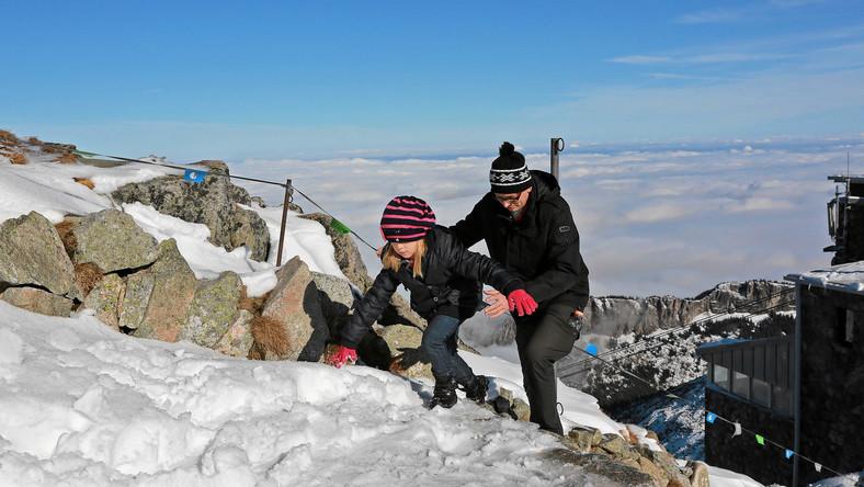 Po gwałtownym ochłodzeniu na tatrzańskich szlakach na wysokości powyżej 1300 metrów n.p.m. spadł śnieg