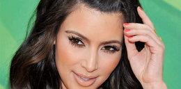 Ups! Kardashian goliła sobie czoło