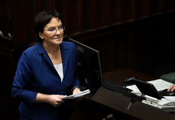 Premier Ewa Kopacz podczas debaty po swoim expose. Fot. PAP/Radek Pietruszka